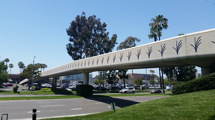 South Coast Plaza Pedestrian Bridge, Costa Mesa, CA - Coreslab Structures (LA) Inc.